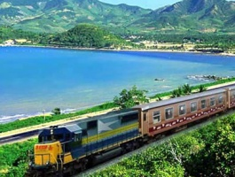 CROSS VIETNAM BY TRAIN - 8 DAYS / 7 NIGHTS