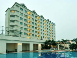 DREAM HOTEL HALONG