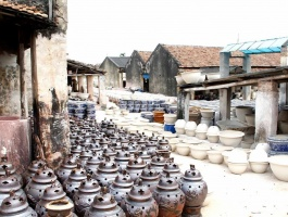 Tour of bat trang pottery village