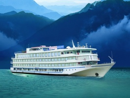 YANGTZE RIVER CRUISE, DOWNSTREAM